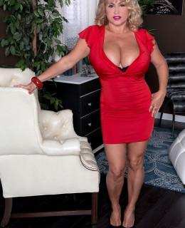 Valentina Monroe
